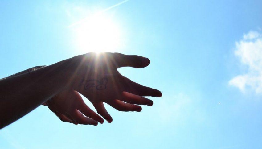 hands-1384735_1280_S